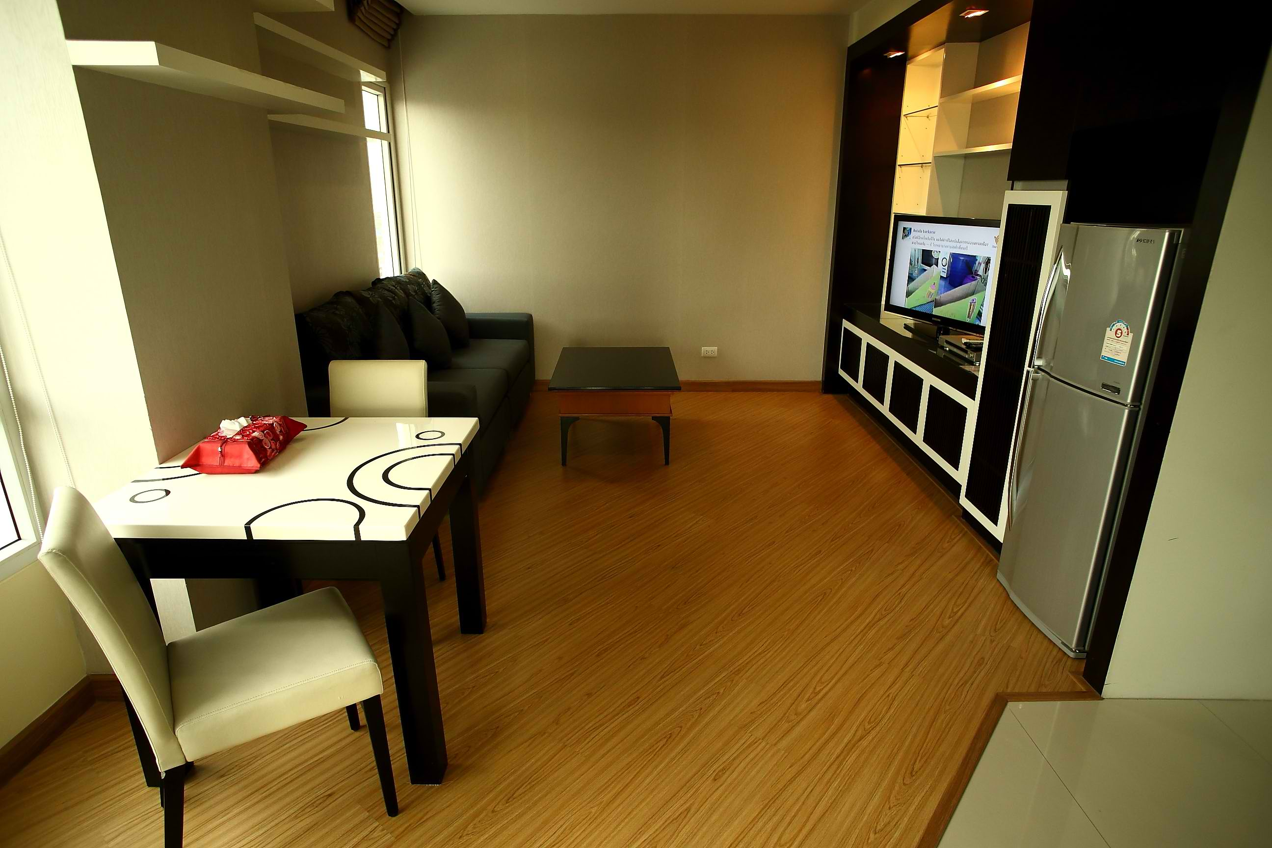 The Sunreno Service Apartment